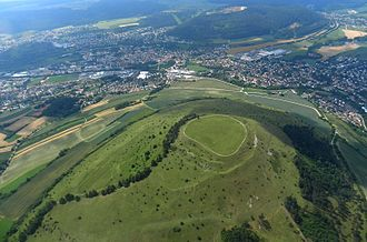 Ipf (mountain) - This aerial image shows the extensive fortification on the Ipf