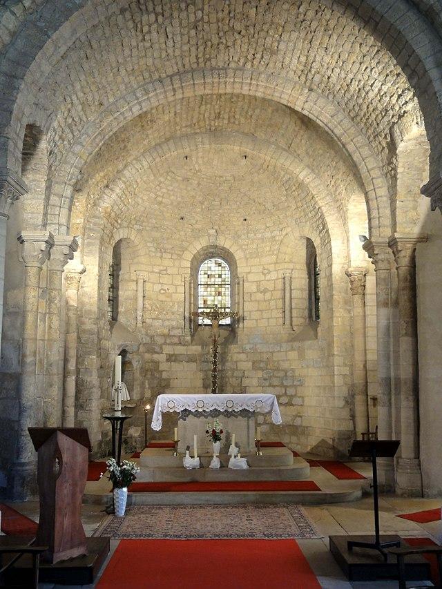 Bon Vendredi 640px-Luzarches_%2895%29%2C_%C3%A9glise_Saint-C%C3%B4me-Saint-Damien%2C_ch%C5%93ur_5