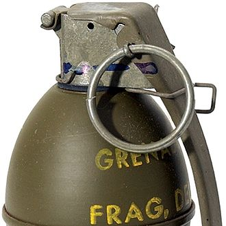 M26 grenade - M61 showing the additional safety clip