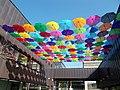 MOM Sportközpont, esernyők. - 2016 Németvölgy.jpg