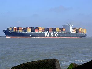 MSC Chicago p5, leaving Port of Rotterdam, Holland 08-Mar-2007.jpg