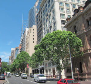 Macquarie Street, Sydney - Central section of Macquarie Street,  looking south 2011