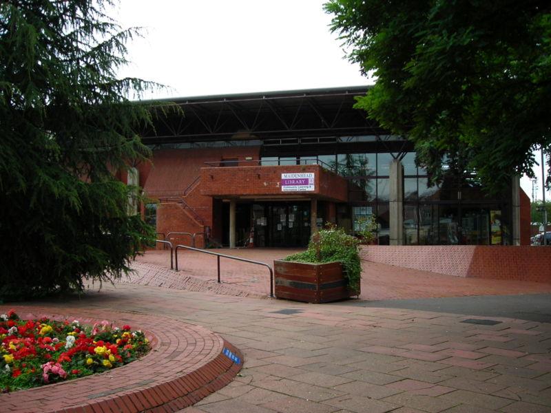 http://upload.wikimedia.org/wikipedia/commons/thumb/d/d0/Maidenhead_library,_Berkshire.jpg/800px-Maidenhead_library,_Berkshire.jpg