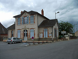 The town hall in Molles