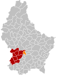 Map of Luxembourg with Kopstal highlighted in orange, the district in dark grey, and the canton in dark red