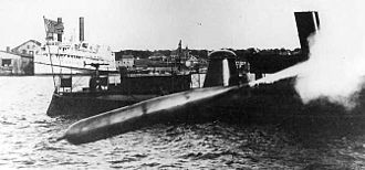 Whitehead Mark 3 torpedo - Mark 3 Whitehead torpedo fired from East Dock, Goat Island, Newport Torpedo Station, Rhode Island, 1894