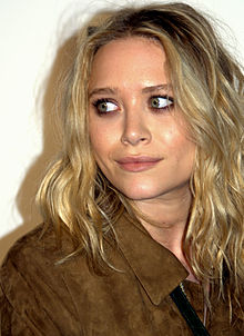 Mary-Kate Olsen 2009 Tribeca portrait.jpg