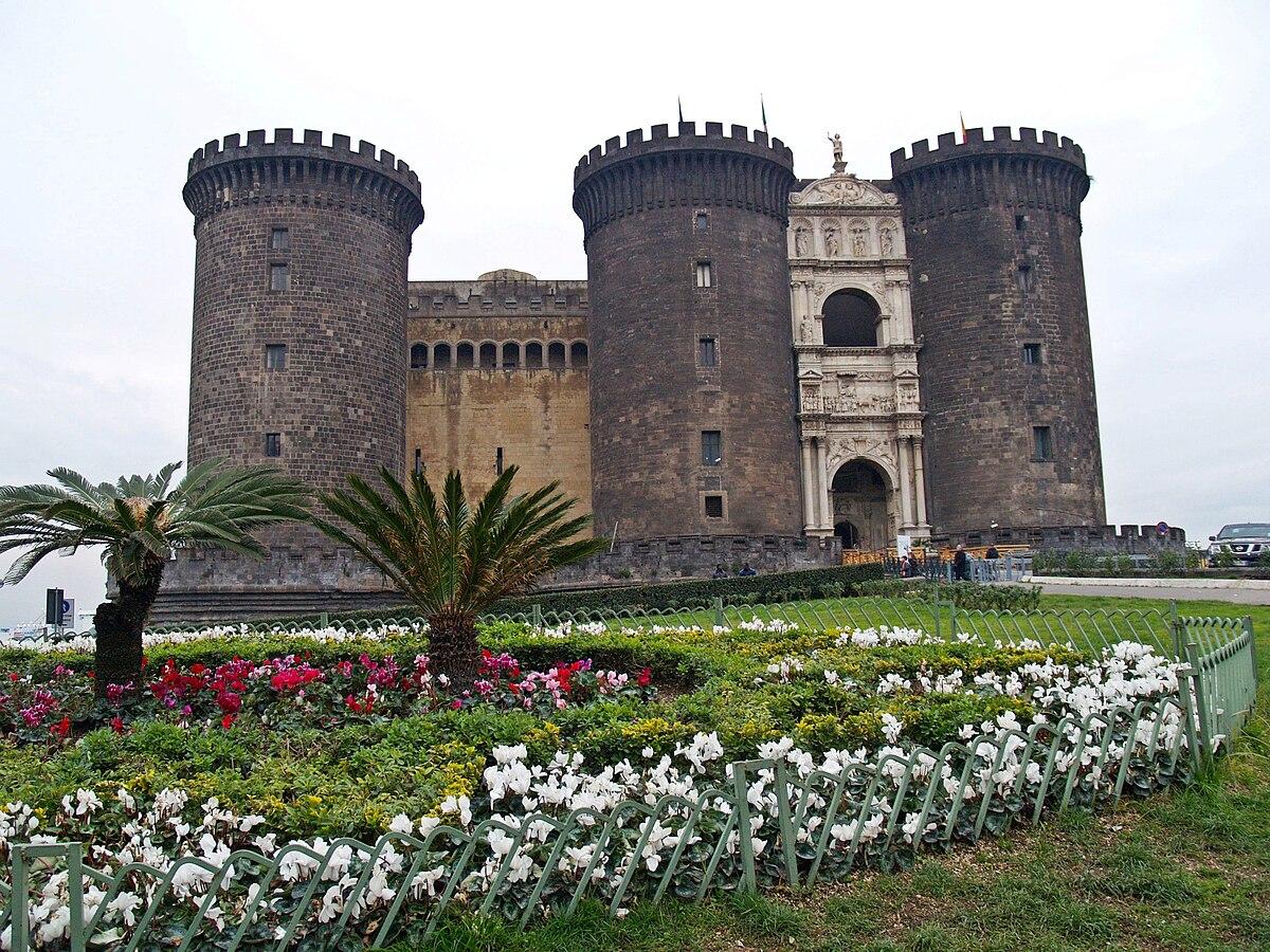 Maschio architettura wikipedia - Finestre castelli medievali ...