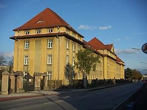 Maximilian-Kaserne.WienerNeustadt.Aa.JPG