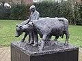 Megchelen Martinuspark Bert Overkamp Boer met koeien 2003 PM21-01.jpg