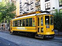 Memphis TN Main Street Trolley.jpg