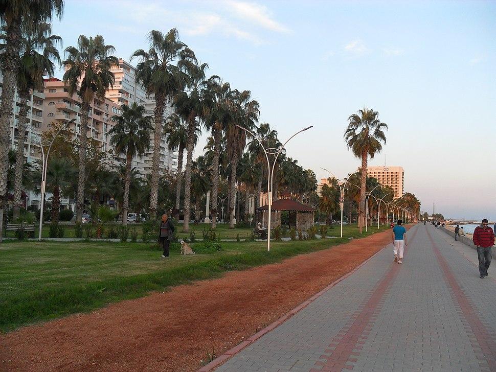 Mersin Yenişehir promenade