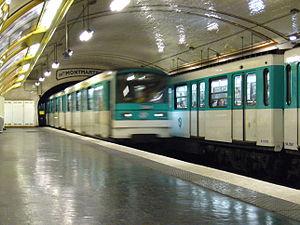 Falguière (Paris Métro) - Image: Metro Paris Ligne 12 Station Falguiere (3)