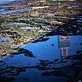 Mezquita Hassan II (reflejo en agua).jpg