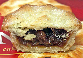Mince pie - A modern, shop-bought, mince pie, cut through its centre
