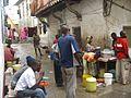 Mittagspause Straßenverkauf Mombasa.jpg