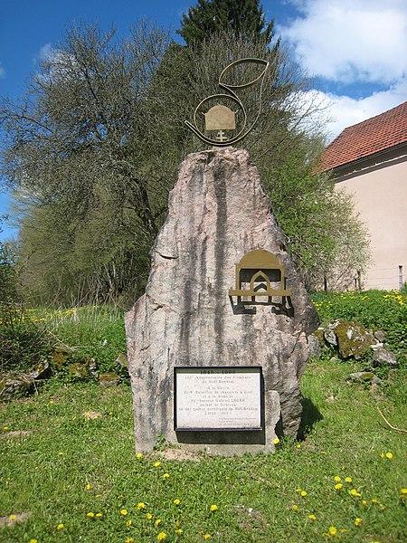 Monument au Saut de Gouloux