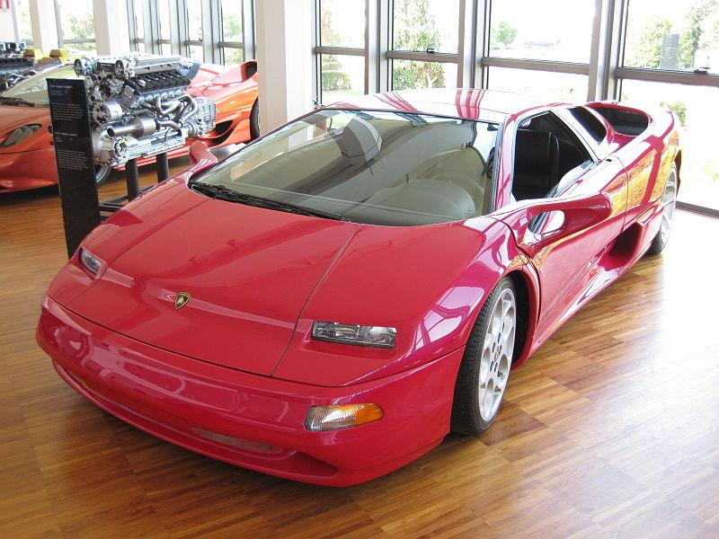 800px-Mus%C3%A9e_Lamborghini_0109.JPG