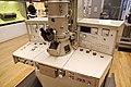 Musée des Arts et Métiers - Microscope électronique à transmission Siemens (37307500730).jpg