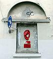 Nicchia street art in via dei lavatoi, firenze.JPG