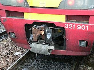 Tightlock coupling - Image: Northern 321901 coupling 02
