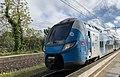 Nouvelles rames du TER Ambérieu-Lyon en gare de Saint-Maurice-de-Beynost en avril 2019 (2).jpg