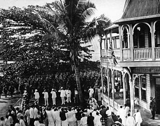 Occupation of German Samoa - The Union Flag being raised at the courthouse at Apia on 30 August 1914