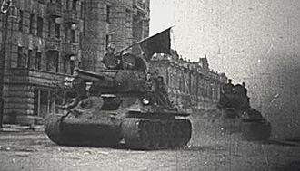 Operation Kutuzov - Soviet T-34 tanks enter Orel, 1943