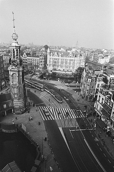 File:Overzicht Muntplein te Amsterdam, Bestanddeelnr 933-4652.jpg