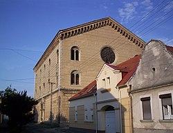 Pápa synagogue west 2007.jpg