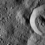 PIA20650-Ceres-DwarfPlanet-Dawn-4thMapOrbit-LAMO-image110-20160320.jpg