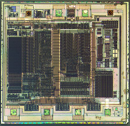 Die of a PIC12C508 8-bit, fully static, EEPROM/EPROM/ROM-based CMOS microcontroller manufactured by Microchip Technology using a 1200 nanometre process PIC12C508-HD.jpg