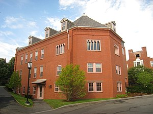 Discover Tufts University neighborhood cover image