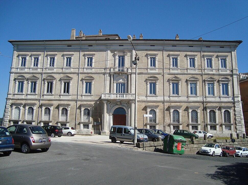 Palais Sforza Cesarini
