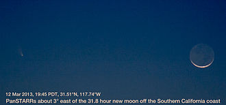 C/2011 L4 - Image: Pan STAR Rs And Moon