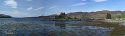 Panorama Eilean Donan Castle badstitch 2005-05-14.jpg