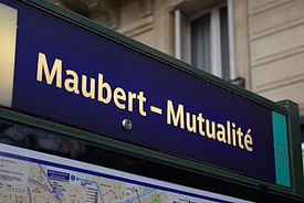 Paris Metro Maubert - Mutualité 002.JPG