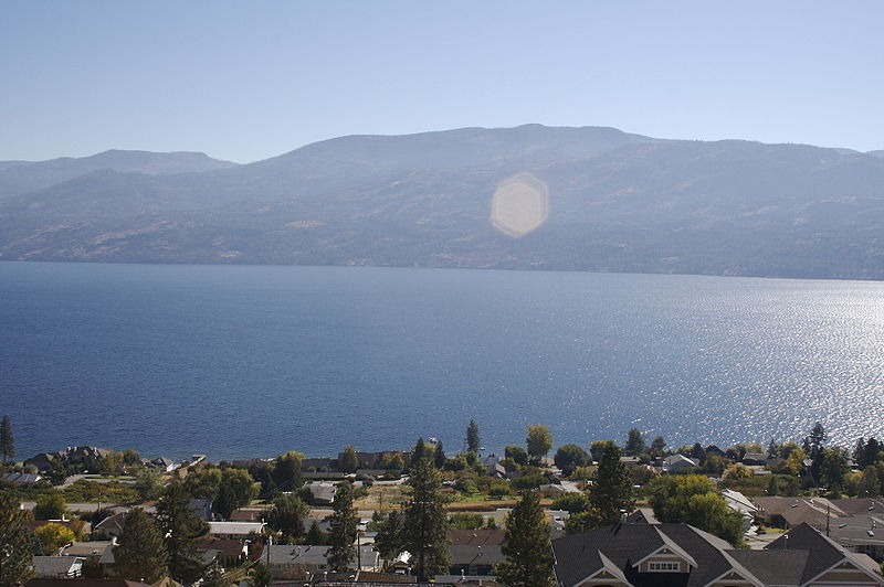 File:Peachland from above - 2.jpg