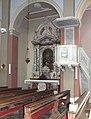 Peterskirche Stari Grad, Nebenaltar und Kanzel, 2017-06-06, ama fec.jpeg