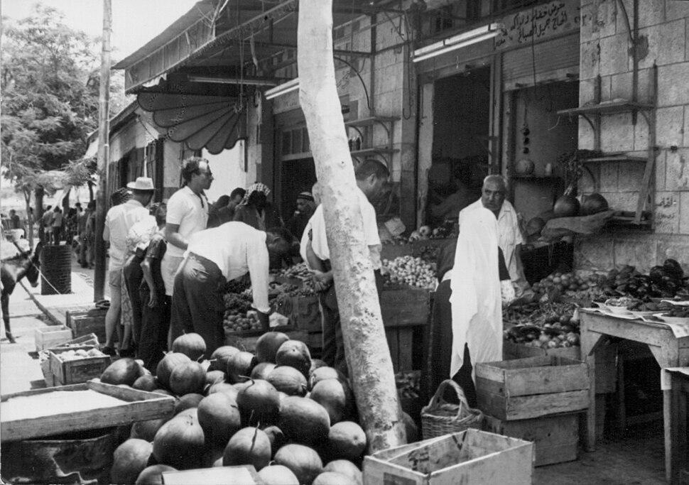 PikiWiki Israel 1539 The market of Jericho השוק ביריחו