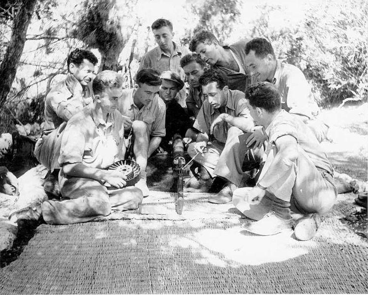 מחנה אימונים ראשון של פלוגה ב' - אימונים בנשק