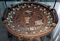 Pittore di baltimora, piatto apulo con esposizione del corredo nuziale, da egnazia, 330-310 ac ca.jpg
