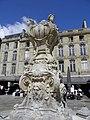 Place du Parlement - fontaine (Bordeaux).jpg
