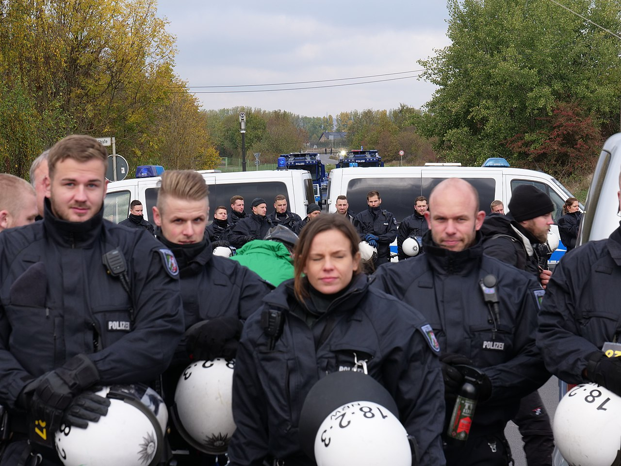 Police in front of a motorway junction at Ende Gelände 28-10-2018 01.jpg