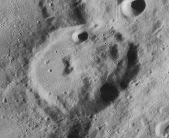 Porter (lunar crater) - Slightly oblique Lunar Orbiter 4 image