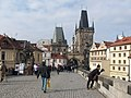 Praha, Karlův most a Malostranská mostecká věž - panoramio.jpg