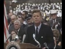 Fichier:President Kennedy speech on the space effort at Rice University, September 12, 1962.ogv