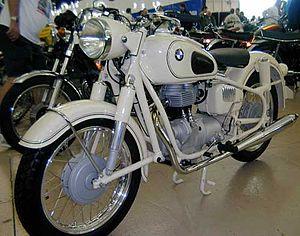 BMW R27 - Dover white BMW R27
