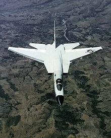 O nascimento do poder dos Porta Aviões 220px-RA-5C_Vigilante_overhead_aerial_view