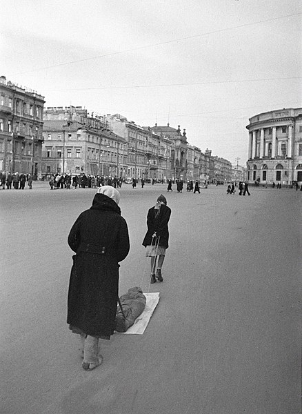 File:RIAN archive 762 In besieged Leningrad.jpg